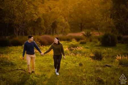 Image d'engagement dans la nature à pied en Australie occidentale de Perth
