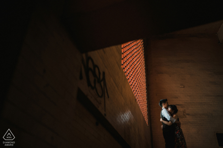 Fotografía previa a la boda de Taiwan Stairs para una pareja joven comprometida