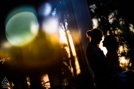 Sesión de fotos de compromiso de México y sesión previa a la boda en el romántico Riu Palace Nuevo Vallarta, México con algunas siluetas agradables