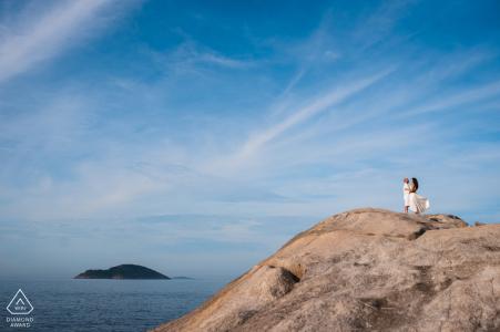 BR Verlobungsfotoshooting & Vorhochzeitssitzung bei Niteroi - RJ - Genießen Sie einfach diesen erstaunlichen Himmel mit Ihrer Liebe, das haben Sie verdient