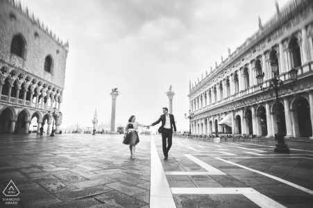 IT pre-wedding photo shoot in the fog of Venice at St. Mark's Square