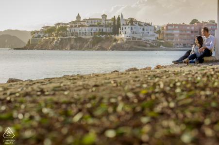 Séance photo de fiançailles en Espagne au bord des eaux d'Aguilas Murcia avec un peu d'amour et de plage