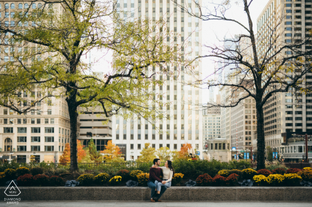 LaSalle Street Chicago City Oasis creative pre-wedding photo in the park under trees