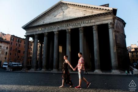 Pantheon, Roma mini sesión fotográfica urbana antes del día de la boda mientras camina por la mañana temprano