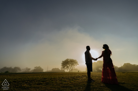 Boituva Photoshoot avant le mariage pour un portrait de couple au coucher du soleil