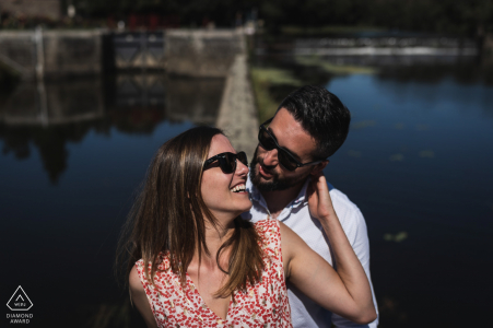 Le Boel, France Fine Art Engagement Image créée par l'eau avec des lunettes de soleil