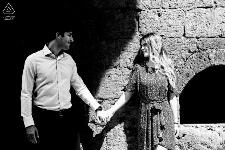 La Badia, e-session portrait d'Orvieto - le couple divisé par l'ombre