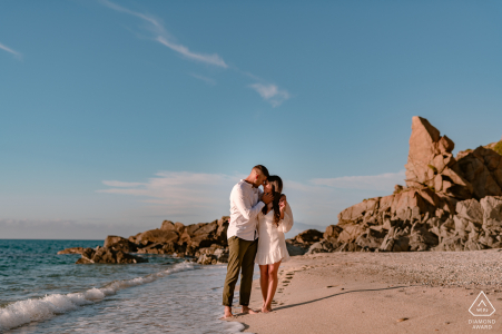 Calabria on-location portrait e-shoot of a couple walking by the seaside