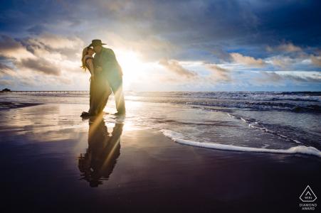 Port Aransas Beach Vor-Ort-Porträt-E-Shooting mit einem Sonnenaufgang in TX