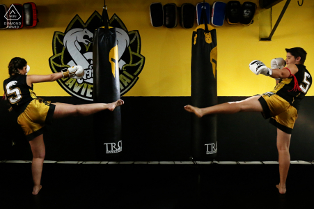 True Love Engagement Portrait Session at Academia Pride in Goiânia displaying a Goiás couple at MMA gym