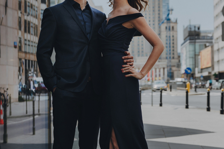 Warsaw Center, Poland environmental couple pre wedding image sessionresulting in an Elegant shot in the city centre