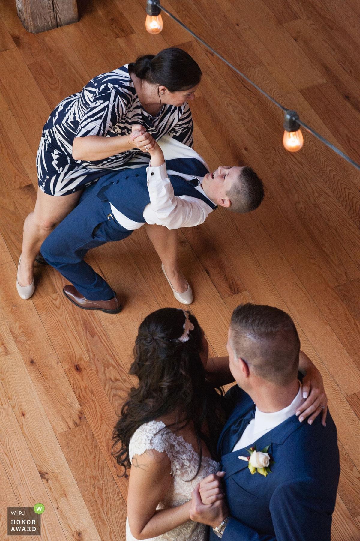 Danielle Gardner est une photographe de mariage primée du NY WPJA