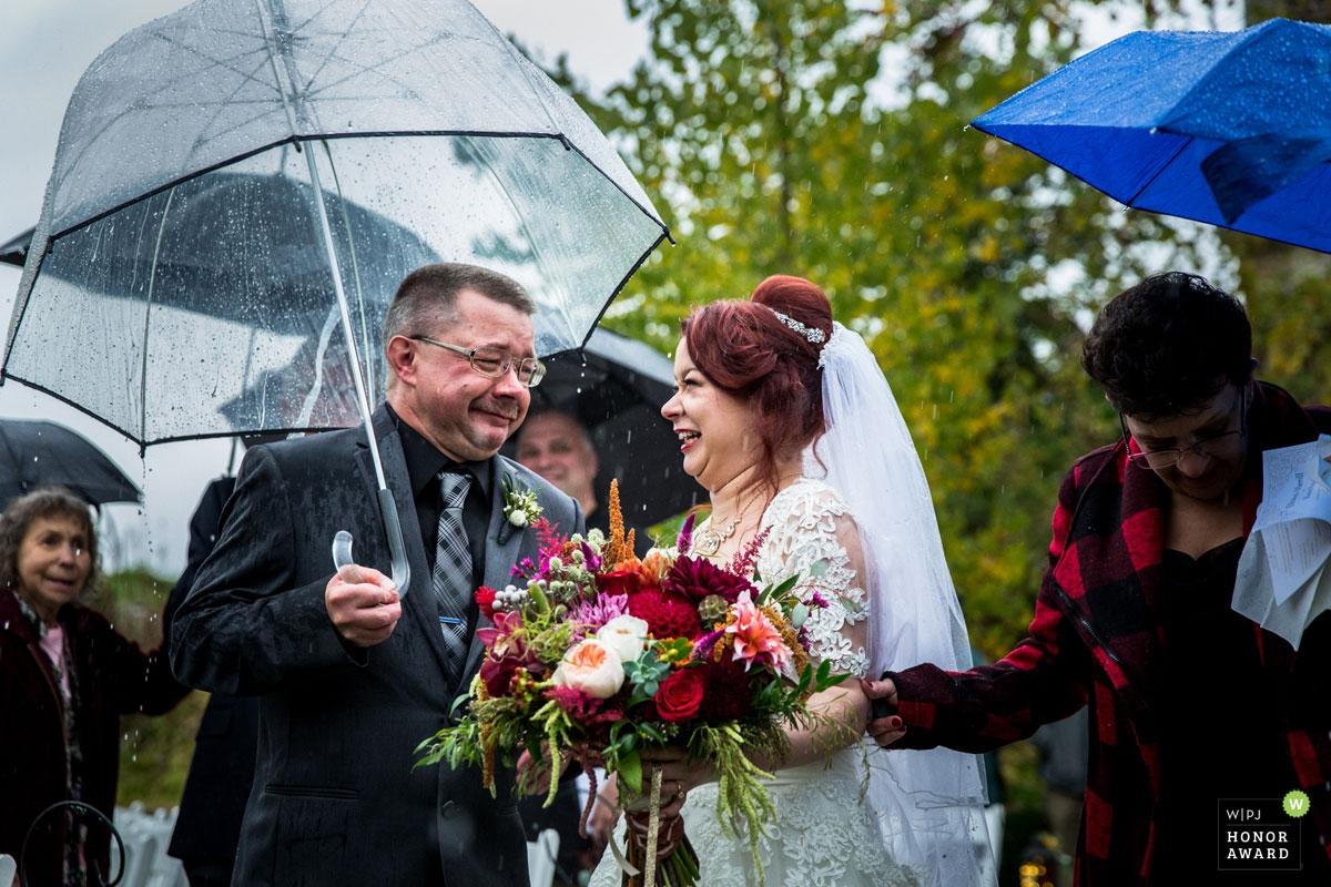 Penny McCoy est une photographe de mariage primée du MN WPJA