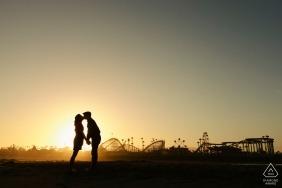 Rollercoaster Love Sesja Zaręczynowa o zachodzie słońca w Kalifornii