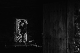 Madrid pre-wedding engagement portraits in abandoned building buildings and a black-and-white