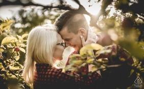 #sunnyday #engagementinnature #orchard | Sesja zaręczynowa w sadzie