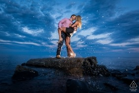 couple on rock dip | Minneapolis wedding and engagement photography
