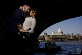 london engagement shoot under the bridge at the water