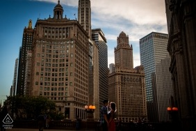 IL city wedding engagement portrait of a couple | Chicago pre-wedding pictures