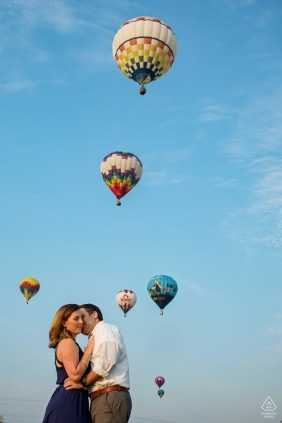 Baltimore wedding photographer | Maryland engagement photography with a couple and hot air balloons