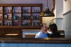 Madryt Sesja fotografii zaręczynowej w kawiarni z parą