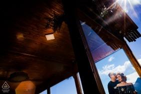 Vietnam Sapa | Framing Couple in Windows mit der Sonne