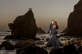 El Matador Beach Malibu | Portrait de pré-mariage à la plage au coucher du soleil