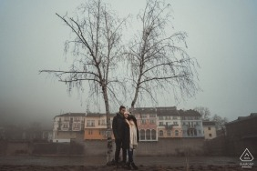 Lovech, Bulgarie Photos de fiançailles un jour de brouillard