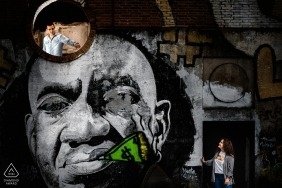 Graffiti Portrait with Couple | Valladolid Engagement Photographe