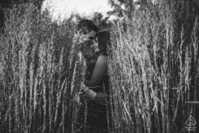 Edmonton, AB, Canadá contratou casal escondido durante a sessão de retrato