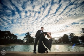 Legioen van eer verloving plezier in formele kleding - portret sessie onder de wolken