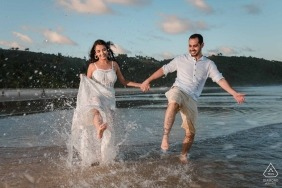Couples just wanna have fun - Rio de Janeiro Engagement Shoot Session at the Beach