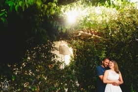 Pre Wedding portrait in the sun and trees of Ouro Preto