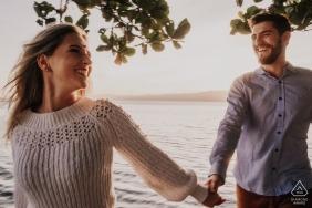 Laguna / SC - Brasil Pre Hochzeitsporträts am Wasser