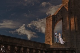 Paris, Frankreich Paarporträts für Verlobungsfotos