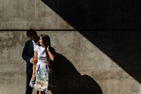 老蒙特利爾前婚禮Portait  - 夫婦幾何訂婚照片在純然的陽光和陰影中
