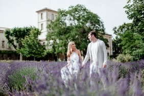Portrait session for engagement images in Provence