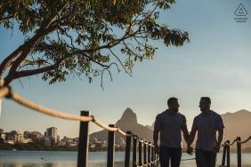 Ein italienisches Ehepaar, das ein einfaches Leben in Rio de Janeiro führt. Pre Hochzeitsporträts.