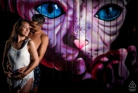"""Águilas - Murcia - Spain Engagement Photographer: """"Photograph taken on a wall with a very nice drawing and a very special couple"""""""