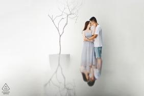 Foto di fidanzamento di Nanping Fujian - Il ritratto contiene: coppia, abbraccio, hotel, albero, riflesso, bianco