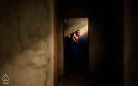Engagement Photographer per Maceió, AL - Sogni e aspettative in una casa in costruzione