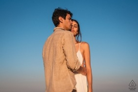 Engagement Photographer for Barra da Tijuca - RJ - Brazil | An intimate moment of romance and dating between the couple.
