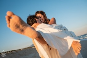 Engagement Photography for Barra da Tijuca - RJ - Brazil | Take your beloved and run to the sea, live now.
