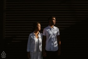 Los Angeles-Kontrast-Paar-Porträts für Verlobungssitzung