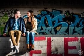 Wiesbadener Grafitti-Location für voreheliche Verlobung - Fotos für Paare