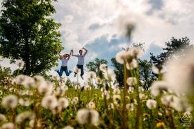 Budapest, Hongrie Séance photo de fiançailles à Budapest - Portraits pré-mariage dans les domaines de la nature.