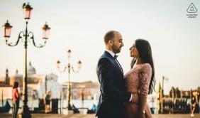 威尼斯在意大利举行的婚礼前正式画像会议