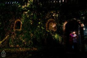Hacienda Siesta Alegre, Rio Grande PR pre-wedding photographer: One light over couple to create attention on the framing.