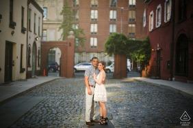 NYU Campus, New York City Verlobungsfotograf: Das perfekte Licht finden