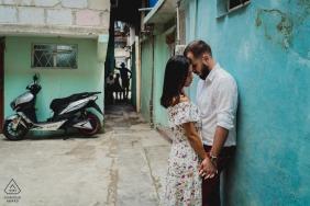 古巴亲密的订婚肖像会议与爱的核心